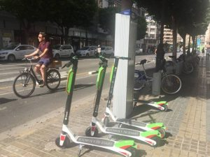 A un empujón valencia patinetes electricos a un valor monetario ideal